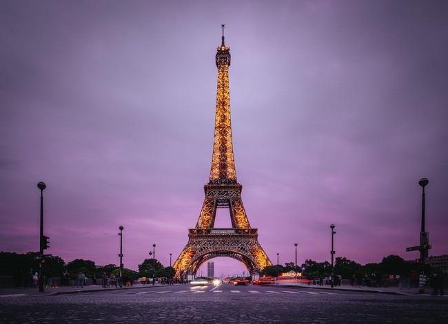 Vừa đăng ảnh check-in tại tháp Eiffel, người hâm mộ đã vội nhắc Diệu Nhi vì cô có thể mắc phải luật nghiêm trọng này - Ảnh 9.
