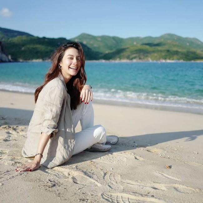 Dàn mỹ nhân, tiểu thư tài phiệt showbiz Thái du lịch Việt Nam: Biến TP.HCM, Đà Nẵng và các địa điểm đẹp như phim - Ảnh 24.