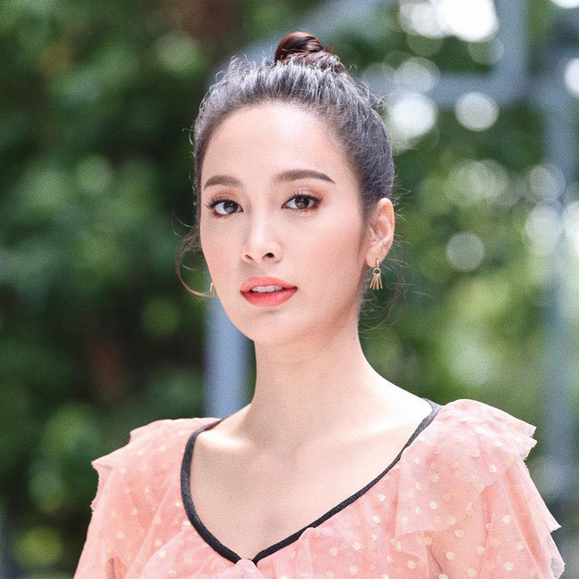 Dàn mỹ nhân, tiểu thư tài phiệt showbiz Thái du lịch Việt Nam: Biến TP.HCM, Đà Nẵng và các địa điểm đẹp như phim - Ảnh 41.