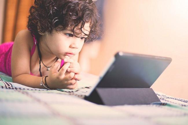 Giúp con phát triển khả năng ngôn ngữ từ bé, việc các mẹ tưởng khó mà lại đơn giản không ngờ - Ảnh 3.