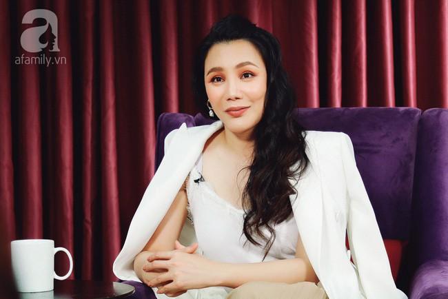 Hồ Quỳnh Hương lần đầu lên tiếng khi bị Thanh Lam chỉ thẳng mặt mắng hỗn láo trên sóng trực tiếp  - Ảnh 3.