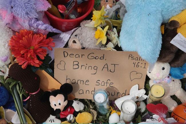 Báo tin con trai mất tích bí ẩn trên giường ngủ, cảnh sát điều tra nhanh chóng lật tẩy được sự giả tạo của cha mẹ - Ảnh 4.