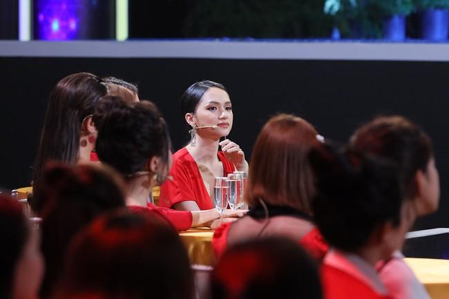 Hoa hậu Hương Giang: Tôi rung động, muốn hẹn hò với chàng trai nhỏ tuổi hơn  - Ảnh 7.
