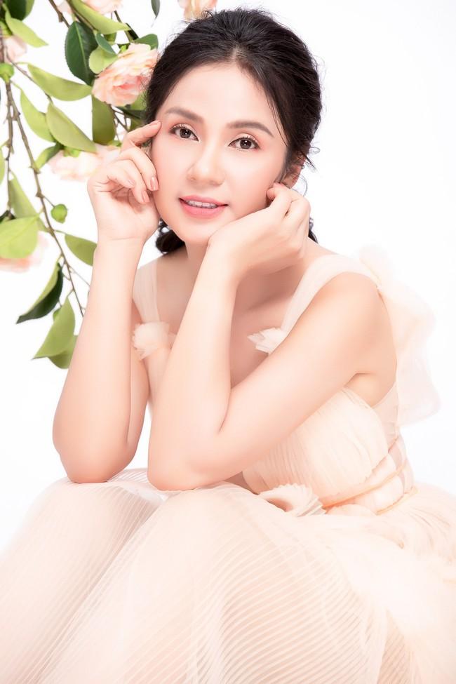 Việt Trinh khoe nhan sắc bị thời gian quên lãng ở tuổi 47  - Ảnh 4.