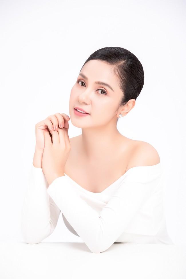 Việt Trinh khoe nhan sắc bị thời gian quên lãng ở tuổi 47  - Ảnh 6.