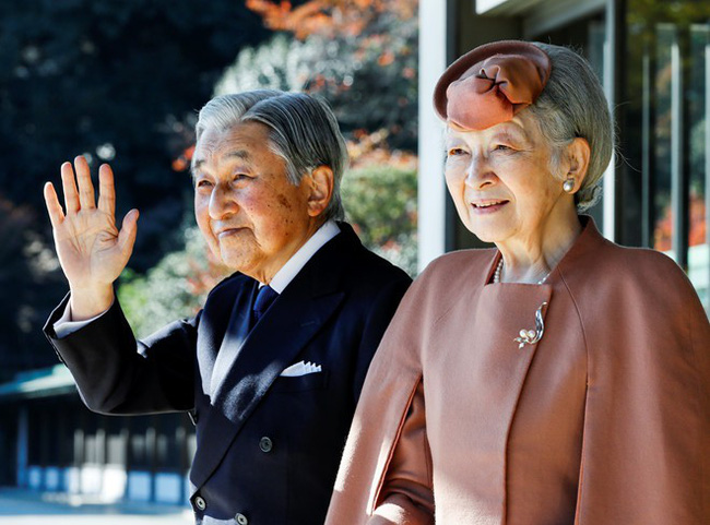 3 ngày nữa, người Nhật sẽ chứng kiến khoảnh khắc chuyển giao lịch sử 200 năm mới có 1 lần: Nhật hoàng Akihito thoái vị, truyền ngôi cho Thái tử Naruhito - Ảnh 3.