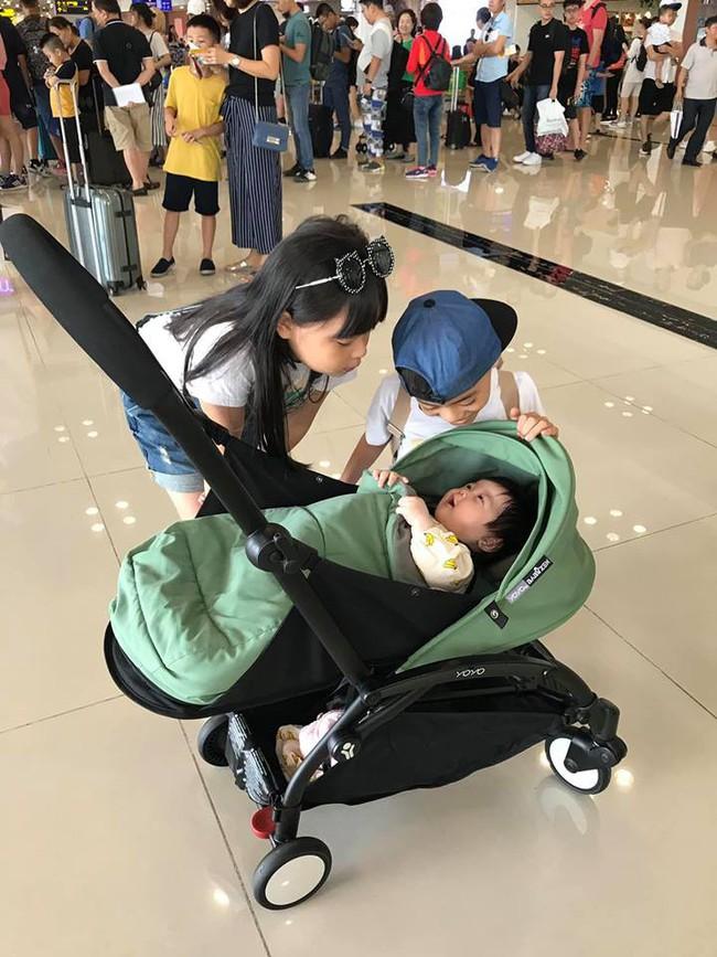 Đi trốn tận resort sang chảnh ở Đà Nẵng, đại gia đình Hằng Túi gây choáng với đội hình 10 thành viên ríu rít xếp hàng - Ảnh 4.