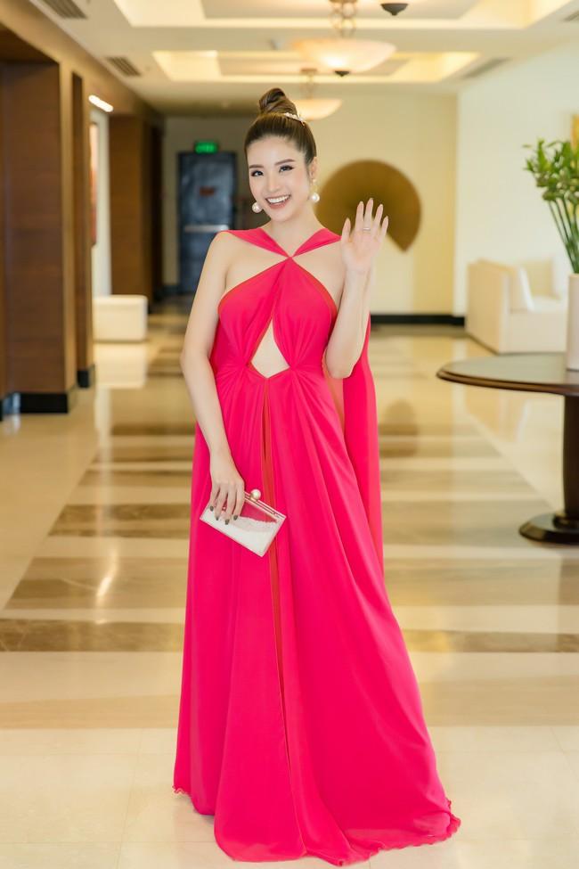 Hoa hậu Phan Hoàng Thu tự tin khoe dáng thon gọn sexy sau thời gian giảm cân thần tốc - Ảnh 3.
