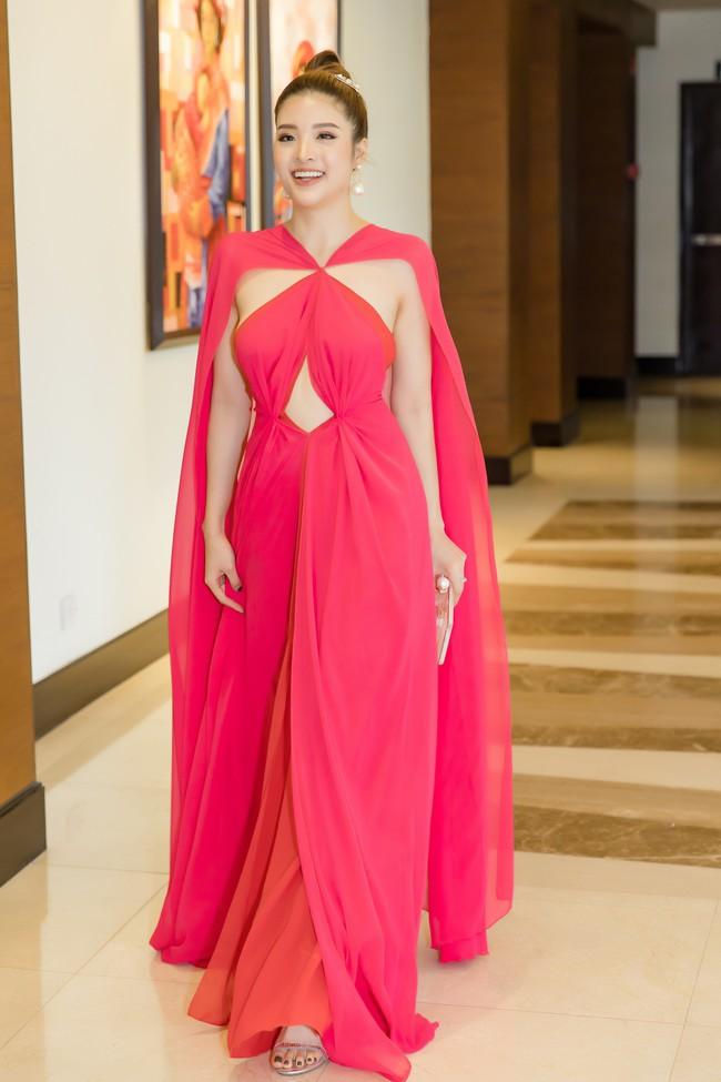 Hoa hậu Phan Hoàng Thu tự tin khoe dáng thon gọn sexy sau thời gian giảm cân thần tốc - Ảnh 1.