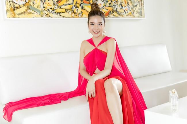 Hoa hậu Phan Hoàng Thu tự tin khoe dáng thon gọn sexy sau thời gian giảm cân thần tốc - Ảnh 5.