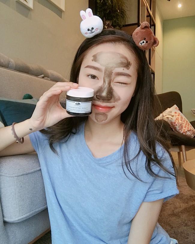Tranh thủ kỳ nghỉ lễ, bạn cũng có thể khiến da đẹp lên bội phần nhờ bí kíp đắp mặt nạ 2 bước như ở spa - Ảnh 2.