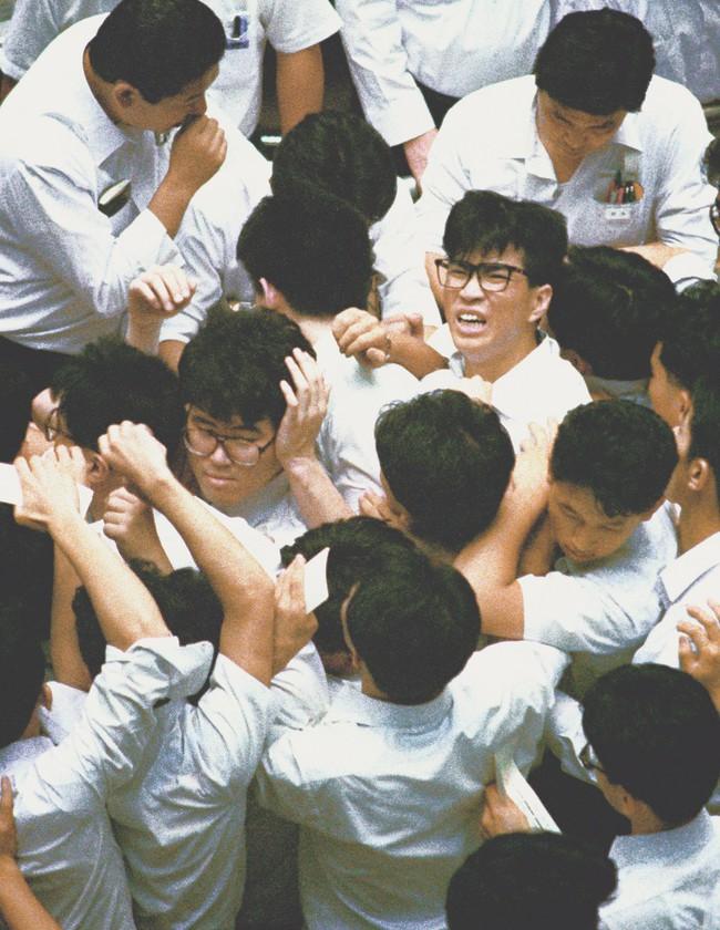 Chùm ảnh: Những sự kiện đi vào lịch sử nước Nhật trong 30 năm dưới thời kỳ Bình Thành của Nhật hoàng Akihito - Ảnh 3.