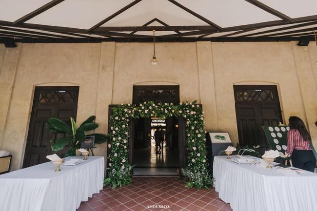 Toàn cảnh đám cưới xa xỉ từng centimet của chồng cũ Hồng Nhung với vợ quý tộc Myanmar, chú rể hạnh phúc như cưới lần đầu - Ảnh 3.