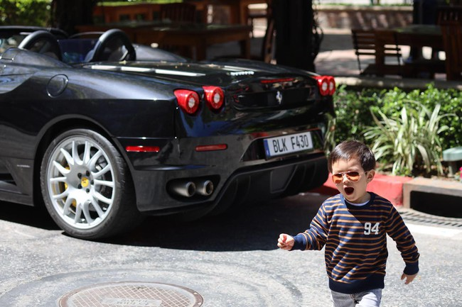 Mới 2 tuổi, con trai Đan Trường đã sở hữu thú vui xa xỉ của hội con nhà giàu - Ảnh 7.