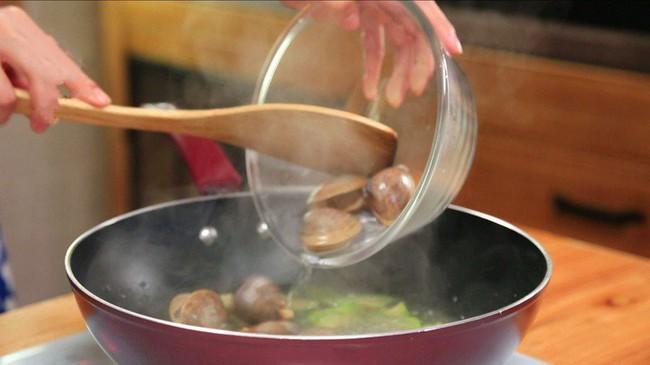 Bữa tối có món canh này ăn với cà pháo muối chua thì sơn hào hải vị cũng chẳng sánh bằng! - Ảnh 4.