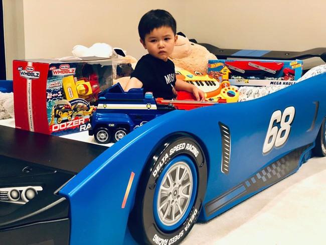 Mới 2 tuổi, con trai Đan Trường đã sở hữu thú vui xa xỉ của hội con nhà giàu - Ảnh 9.