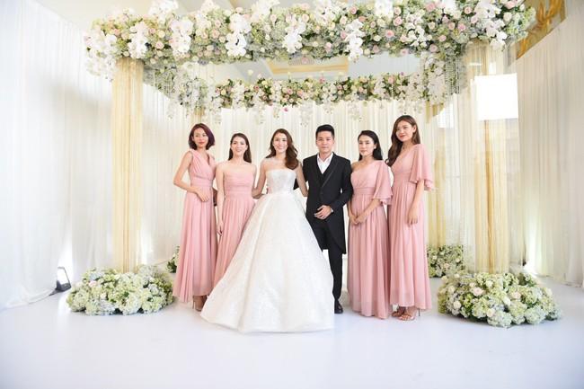 Lộ thêm loạt ảnh cưới đẹp như mơ của Lê Hà - The Face và ông xã đại gia điển trai  - Ảnh 2.
