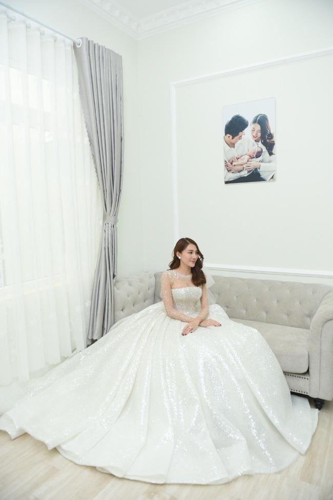 Lộ thêm loạt ảnh cưới đẹp như mơ của Lê Hà - The Face và ông xã đại gia điển trai  - Ảnh 12.