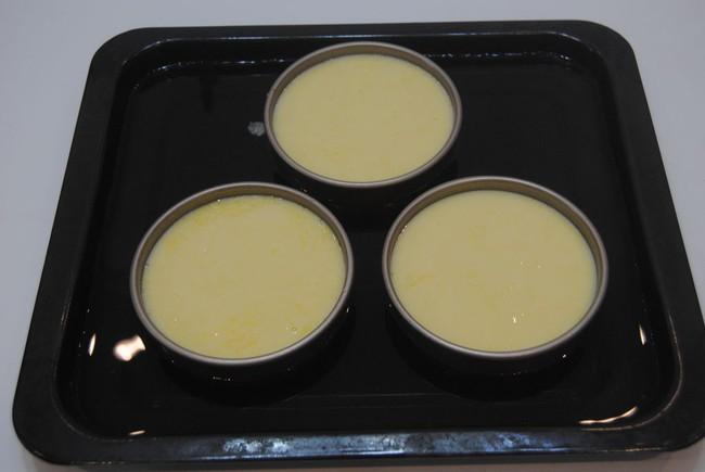 Bí quyết làm bánh flan chanh leo mịn căng mềm mượt  - Ảnh 7.