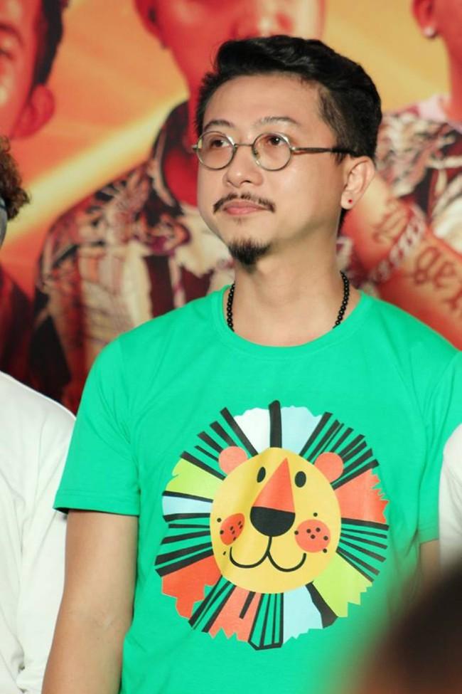 Được chồng hôn giữa sự kiện, Chị 13 Thu Trang bộc lộ biểu cảm hài hước này  - Ảnh 12.