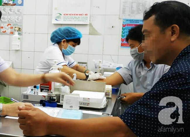 10 người bị kẻ lạ đâm phải điều trị phơi nhiễm: Phác đồ điều trị thế nào, có nhiễm HIV không? - Ảnh 4.