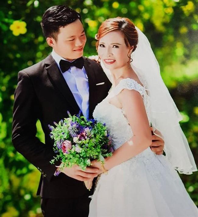 Chuyện lạ khó tin:  Cô dâu Thu Sao 62 tuổi ở Cao Bằng tuyên bố đã mang thai cho chồng trẻ 26 tuổi - Ảnh 1.