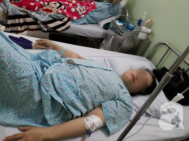 Mẹ trẻ đơn thân phải cắt bỏ 2 bên ống dẫn trứng, tính mạng nguy kịch vì căn bệnh hiểm ở phần phụ - Ảnh 1.