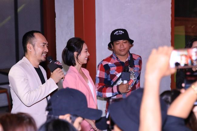 Dù đã xin khán giả đừng quay lén, Chị 13 của Thu Trang vẫn bị tuồn lên YouTube để câu view  - Ảnh 2.