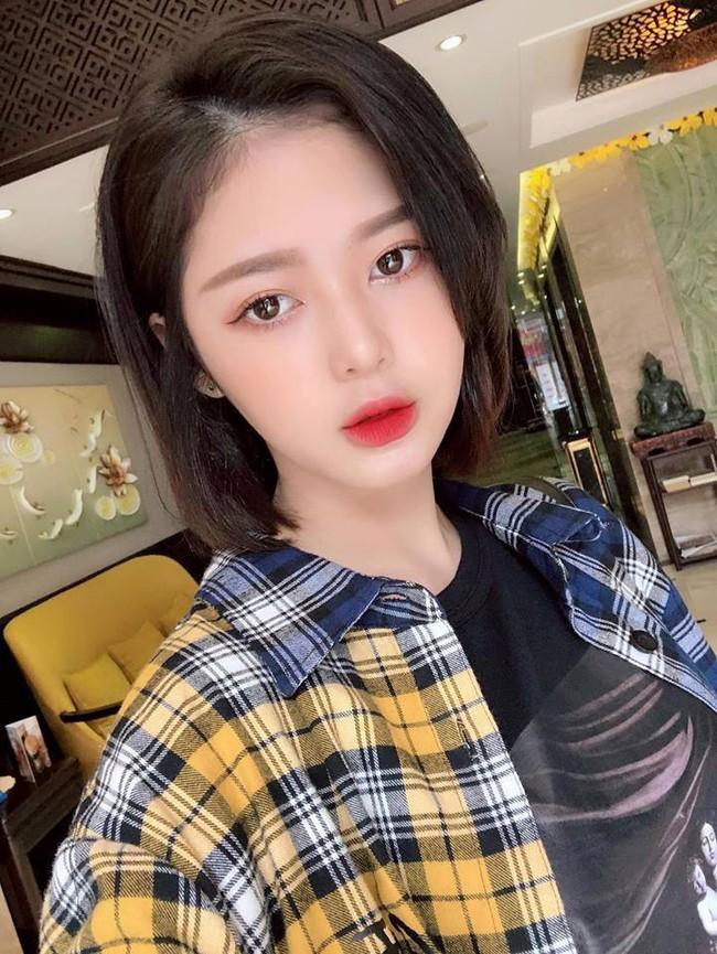 """So kè nhan sắc """"Bạn gái tin đồn"""" của Sơn Tùng M-TP và Trịnh Thăng Bình: Ai xinh đẹp, nóng bỏng hơn? - Ảnh 5."""