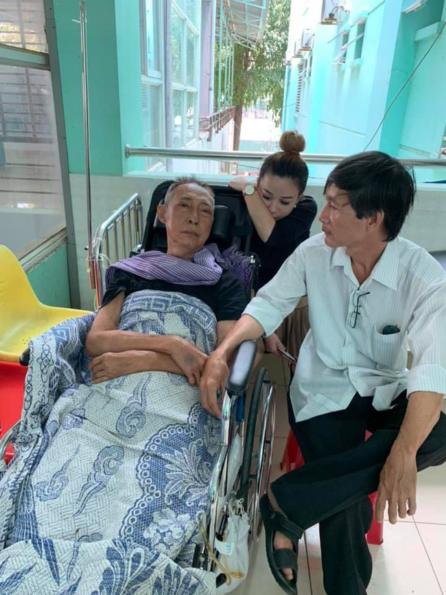 Từ việc nghệ sĩ Lê Bình mất sau thời gian chống chọi ung thư phổi: Đừng tưởng không dính đến thuốc lá là an toàn - Ảnh 2.