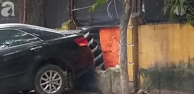 Người dân kể lại giây phút chứng kiến nữ tài xế lùi xe Camry cán chết người: Cô ấy gây tai nạn rồi rời khỏi hiện trường - Ảnh 2.