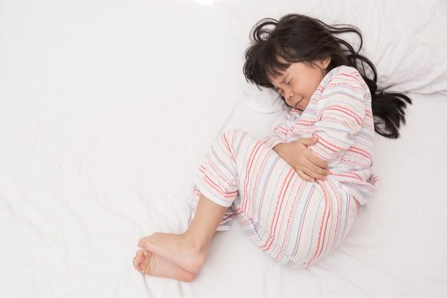 Con bị đau bụng không rõ nguyên nhân thì đây chính là điều cha mẹ nên làm luôn và ngay - Ảnh 1.