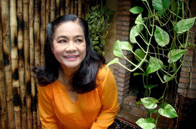 Nghệ sĩ Tú Trinh - Người mẹ trong ký ức tuổi thơ: Khi trẻ khiến ai cũng khiếp sợ, về già lấy nước mắt triệu người vì quá đáng thương - Ảnh 4.