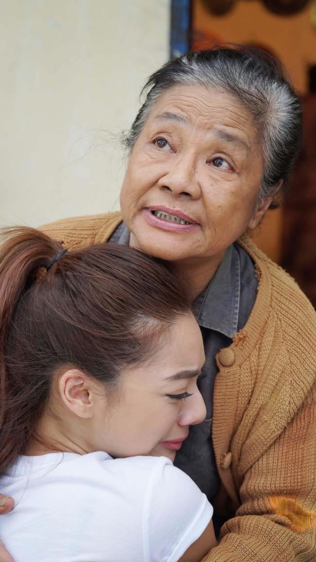 Nghệ sĩ Tú Trinh - Người mẹ trong ký ức tuổi thơ: Khi trẻ khiến ai cũng khiếp sợ, về già lấy nước mắt triệu người vì quá đáng thương - Ảnh 8.