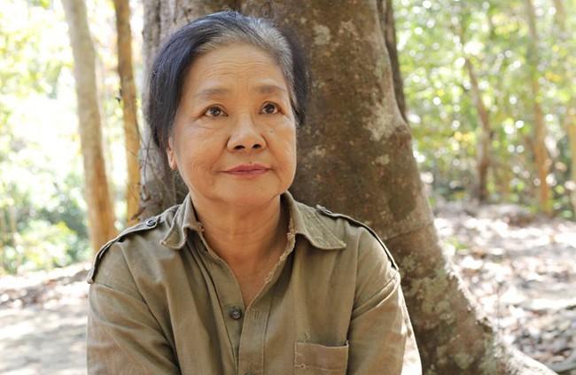 Nghệ sĩ Tú Trinh - Người mẹ trong ký ức tuổi thơ: Khi trẻ khiến ai cũng khiếp sợ, về già lấy nước mắt triệu người vì quá đáng thương - Ảnh 7.