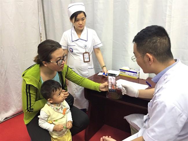 Bác sĩ giật mình vì bé trai mới 2 tuổi đã bị trĩ, nguyên nhân là do chế độ ăn uống của bé - Ảnh 1.