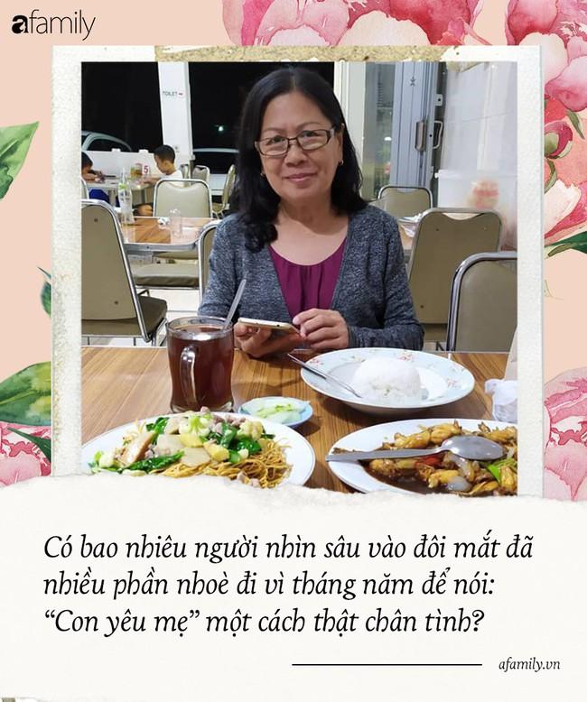 Sao bao lời chúc tụng mừng Ngày của Mẹ, mẹ còn lại gì nếu ta chỉ báo hiếu trên phây? - Ảnh 1.