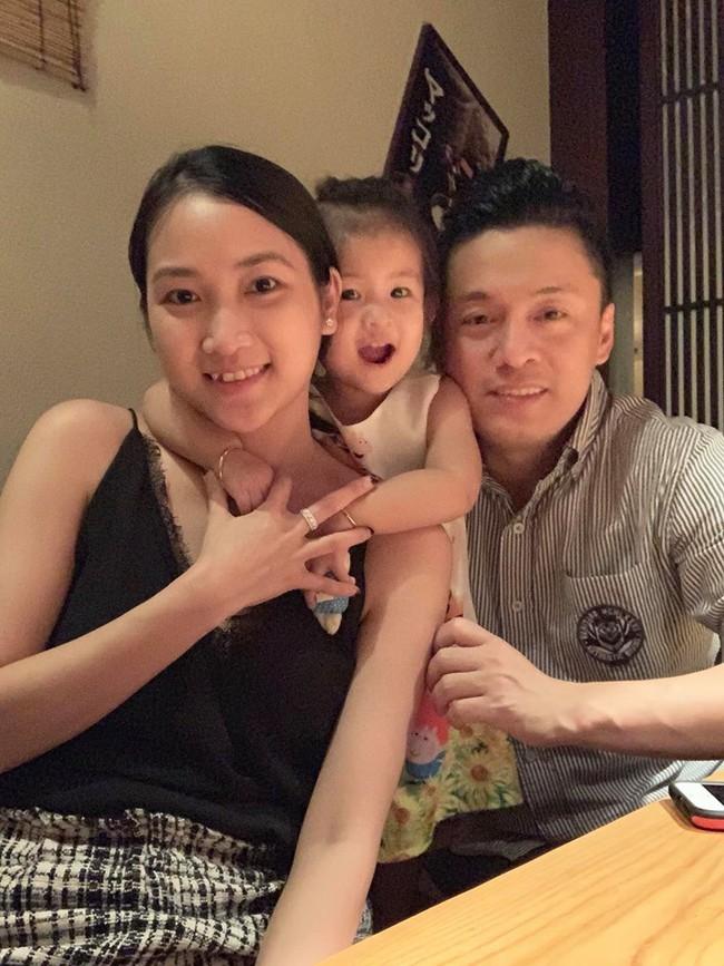 Bị vợ trẻ hờn trách, Lam Trường chuộc lỗi bằng cách mời bố mẹ vợ đi ăn tối nhân ngày đặc biệt  - Ảnh 3.