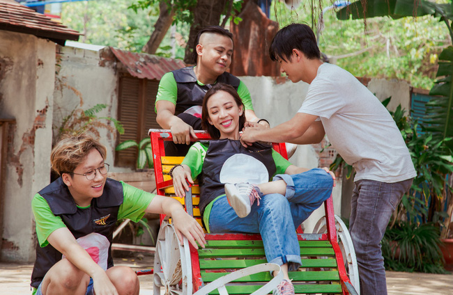 Vừa tái xuất sau Chị Mười Ba, vợ chồng Thu Trang - Tiến Luật đã trở mặt thành thù - Ảnh 8.