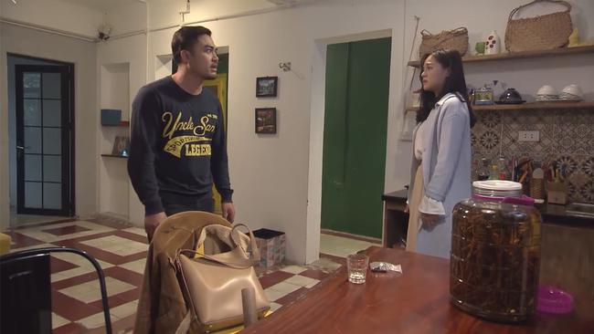 Về nhà đi con tập 23: Bị chồng mỉa mai, Huệ (Thu Quỳnh) vẫn mang tiền cho Thư mượn trả nợ - Ảnh 1.