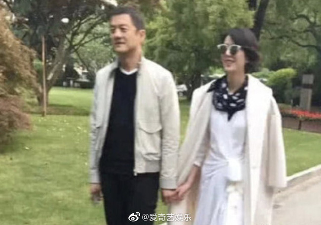 Sau nhiều lần bị bắt gặp, Lý Á Bằng chính thức công khai bạn gái mới, làm rõ tin đồn gia thế khủng doanh nhân 50 tỷ - Ảnh 2.