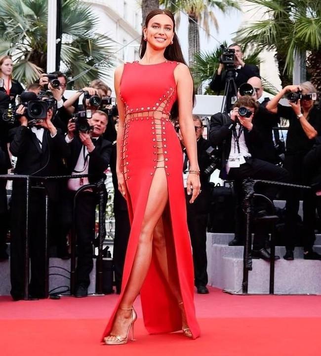 Những bộ đầm đỏ đẹp nhất qua các mùa Cannes: Phạm Băng Băng xưng danh nữ hoàng thảm đỏ nhưng vẫn thua hẳn Lý Nhã Kỳ  - Ảnh 14.