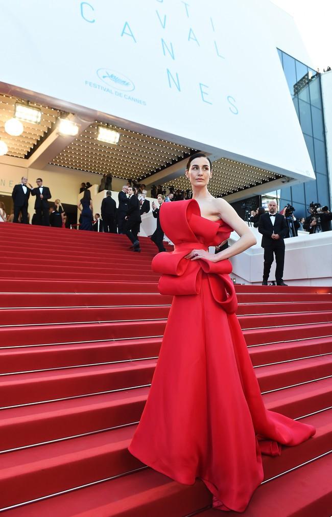 Những bộ đầm đỏ đẹp nhất qua các mùa Cannes: Phạm Băng Băng xưng danh nữ hoàng thảm đỏ nhưng vẫn thua hẳn Lý Nhã Kỳ  - Ảnh 6.