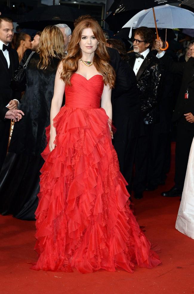 Những bộ đầm đỏ đẹp nhất qua các mùa Cannes: Phạm Băng Băng xưng danh nữ hoàng thảm đỏ nhưng vẫn thua hẳn Lý Nhã Kỳ  - Ảnh 4.
