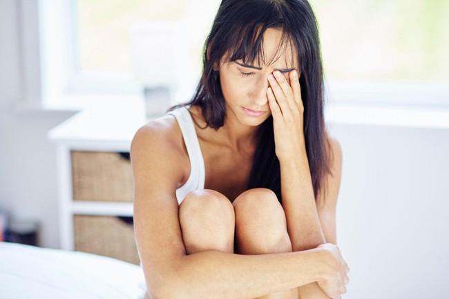 Đừng cậy trẻ mà muốn ngủ thế nào thì ngủ: Các nhà khoa học cho biết chỉ cần 1 đêm như thế này là bạn cũng có nguy cơ bị bệnh Alzheimer - Ảnh 3.