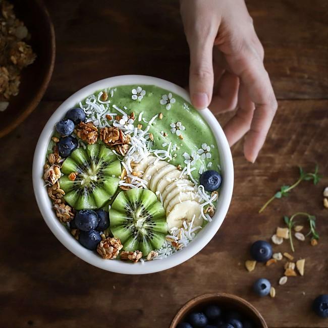 Muốn giảm cân mùa hè, bạn hãy nhớ 2 công thức sinh tố siêu ngon này cho bữa sáng - Ảnh 4.