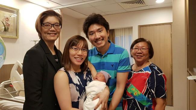 Cùng lắng nghe chuyên gia tiết lộ những điều mẹ cần lưu ý ngay trong tuần đầu tiên sinh em bé - Ảnh 1.