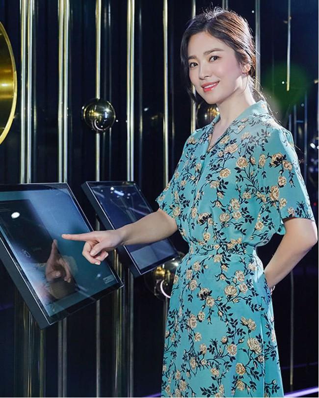 Sau lùm xùm ly hôn, đại mỹ nhân xứ Hàn Song Hye Kyo lộ mặt già nua lão hóa khi dự sự kiện - Ảnh 4.