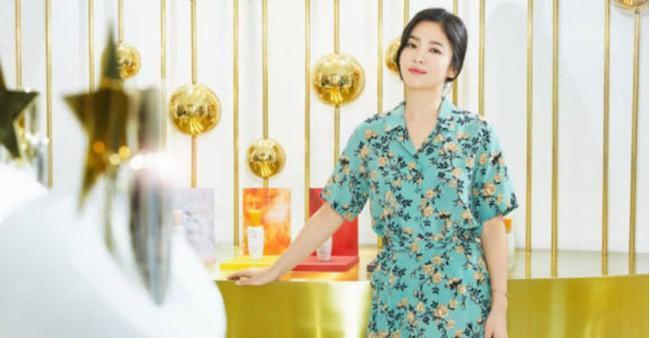 Sau lùm xùm ly hôn, đại mỹ nhân xứ Hàn Song Hye Kyo lộ mặt già nua lão hóa khi dự sự kiện - Ảnh 5.