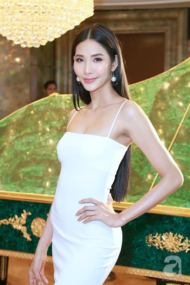 Hoa hậu Hương Giang xinh đẹp tỏa sáng khi đứng cạnh minh tinh Châu Hải My - Ảnh 9.